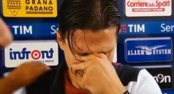 """""""Scusate, non ce la faccio"""": il calciatore di Napoli scoppia a piangere in tv [VIDEO]"""