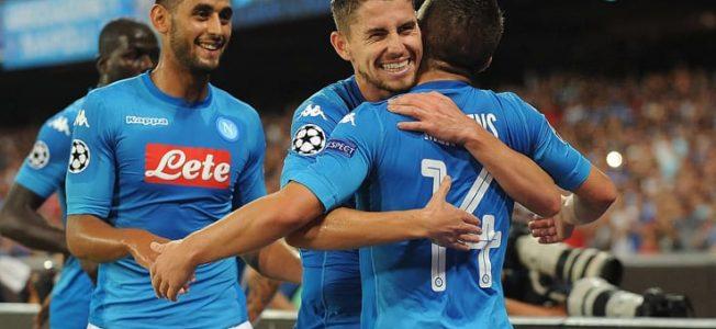 Le pagelle di Napoli - Nizza: la freddezza di Jorginho, Albiol che sicurezza, Mertens incontenibile