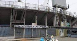 """""""Per farvi sentire a casa vostra"""". Sacchetti di spazzatura davanti al settore ospiti di Bergamo: fake news o realtà? [FOTO]"""