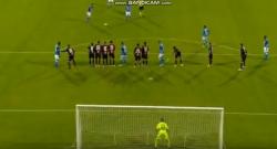 Super gol di Milik su punizione, azzurri avanti al 90esimo! Cagliari 0 Napoli 1 [VIDEO]