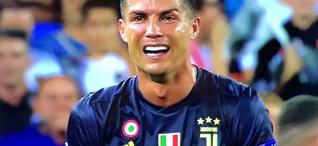 """FOTO - """"Mourinho piccolo uomo"""", """"reazione di Ronaldo ci può stare"""". Tifosi dell'Inter: """"Ipocriti!"""""""