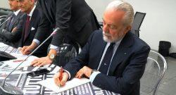 "Manolas-Napoli, Mediaset: ""De Laurentiis scatenato, bruciate Juve e Milan! Manca solo l'ultimo step"""